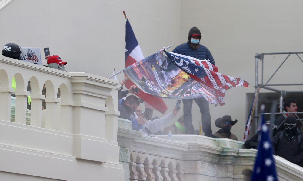 FBI ofrece USD 75.000 por datos del sospechoso de poner bombas en toma del Capitolio