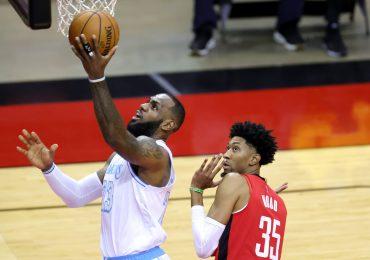 Lakers de Lebron vencen a los Rockets de Harden en duelo picante de la NBA