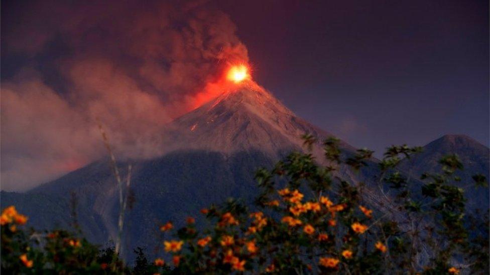 Volcán de Fuego registra fase eruptiva en Guatemala