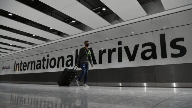 Reino Unido suspende viajes desde Sudamérica y la OMS analiza de forma urgente nuevas cepas del coronavirus