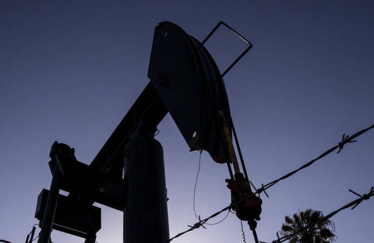 AIE revisa la baja demanda de petróleo pese a mejora de coyuntura