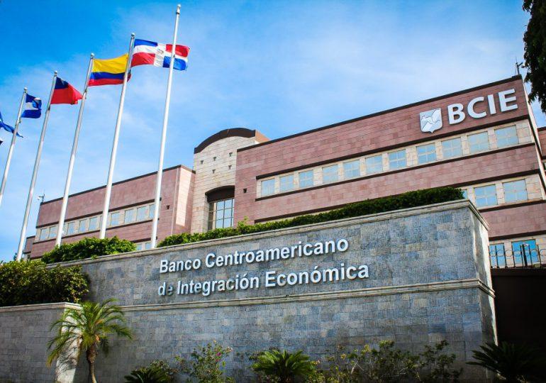 República Dominicana solicita al BCIE estudios de factibilidad para Tren Eléctrico