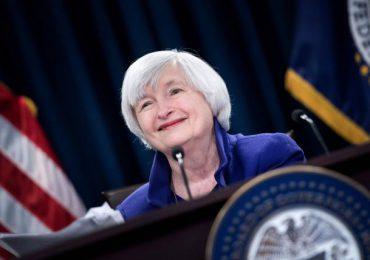 Yellen confirmada como la primera mujer secretaria del Tesoro de EEUU