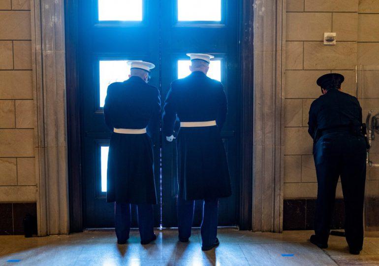 El Capitolio de EE.UU. cierra sus puertas por una amenaza de seguridad externa