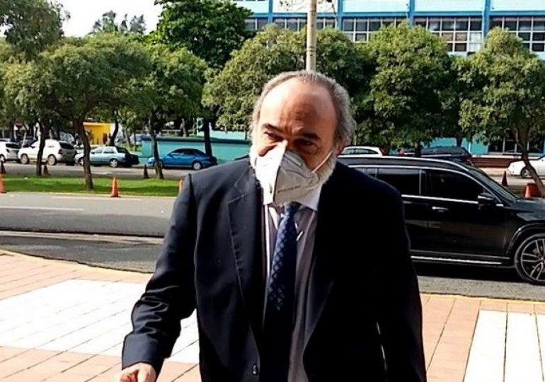 Francisco Pagán es trasladado a un centro de salud privado