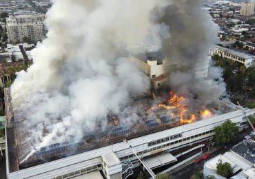 Incendio en hospital de Santiago de Chile obliga a evacuar a pacientes