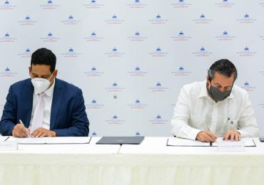Ministerio de Medio Ambiente y Contrataciones Públicas acuerdan impulsar compras sostenibles