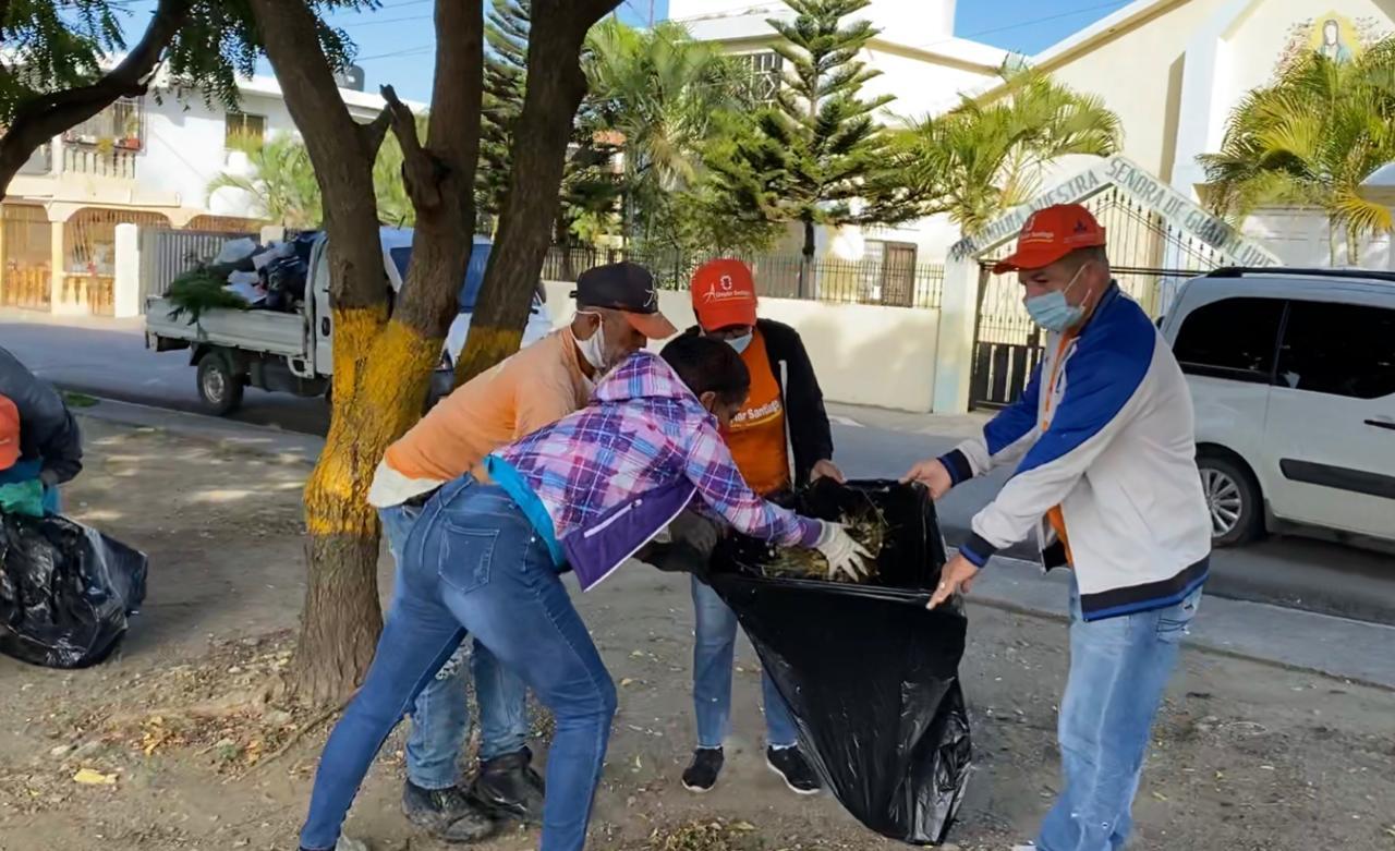 Continúan los operativos de limpieza en Santiago