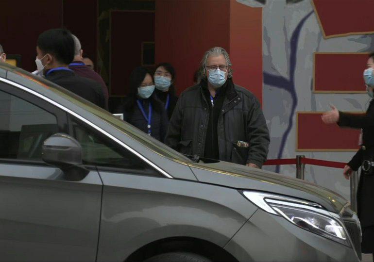 Misión de OMS visita hospital de Wuhan que recibió a los primeros enfermos de covid