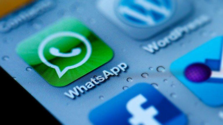 Whatsapp quiere compartir más datos con Facebook, los usuarios se inquietan