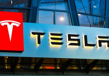 Tesla demanda a exempleado por robar archivos confidenciales