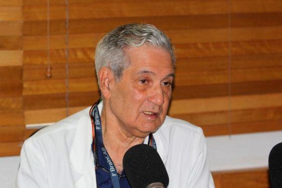 Tras polémica por vacuna AstraZeneca, doctor José Joaquín Puello explica por qué es más conveniente para RD