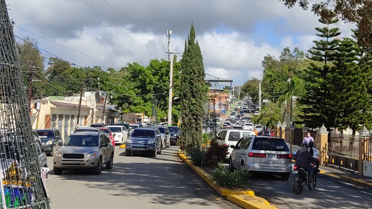VIDEO | Jarabacaoa recibe miles de visitantes este fin de semana largo
