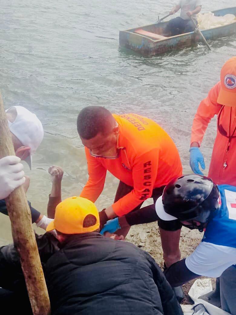 Defensa Civil recupera cuerpos de tres jóvenes que se ahogaron en presa Jigüey