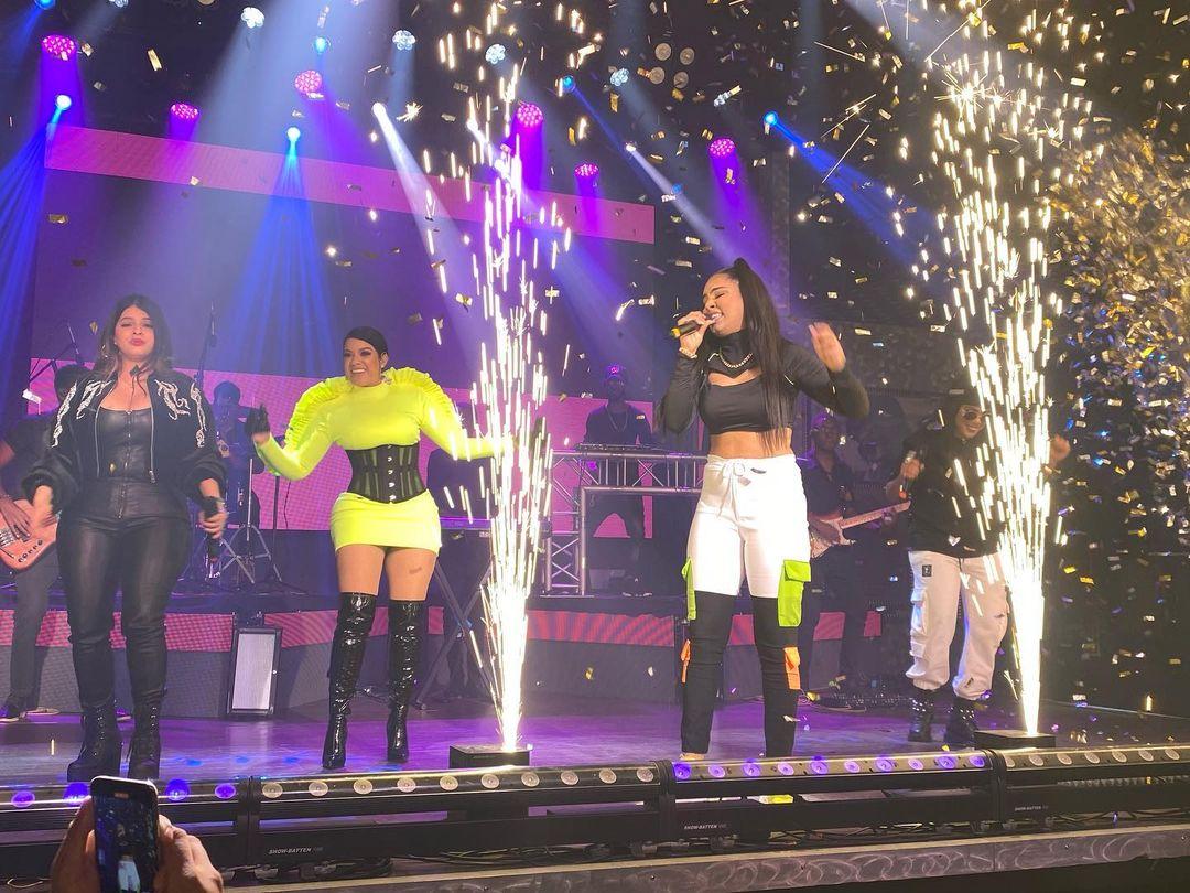 VIDEO | 7th Venue presenta con éxito concierto La Ross María Live Show