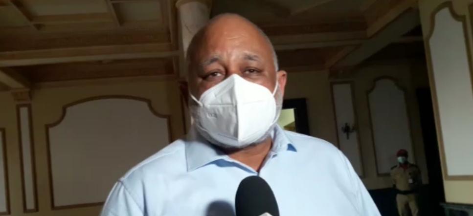 VIDEO | Ministro de Educación dice son falsas las informaciones sobre supuesta irregularidades en proceso de licitación
