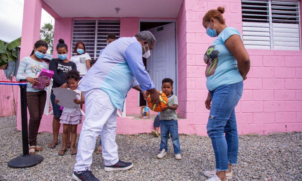 Gabinete de Política Social hace entrega de casas en Los Alcarrizos y San Luis