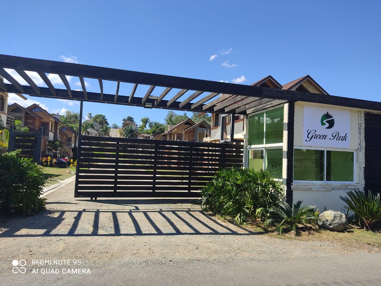 VIDEO | Inversionistas denuncian fueron estafados al comprar villas en el proyecto Green Park en Jarabacoa