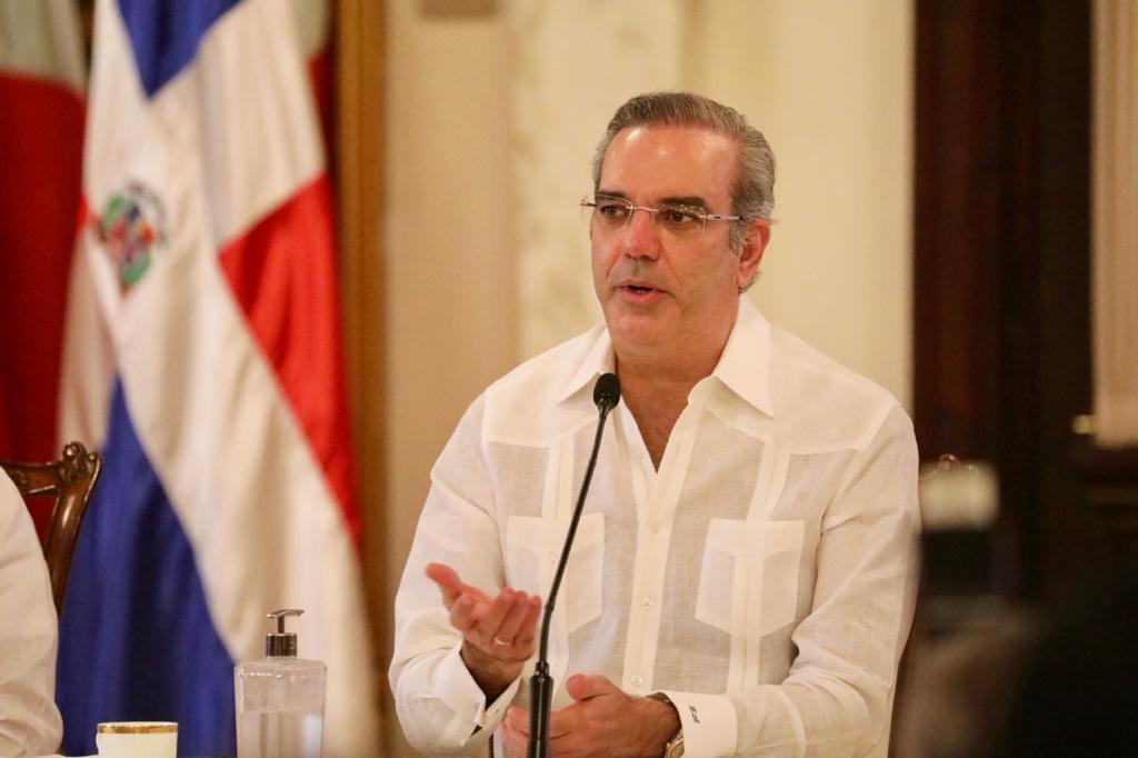 Gobierno anuncia la adquisición de 25 mil vacunas Pfizer de emergencia