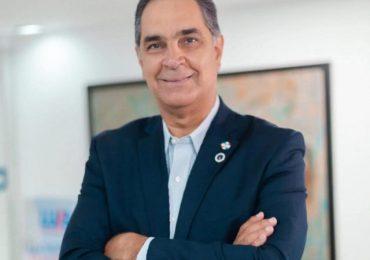 Santiago Hazim, director ejecutivo de SeNaSa es el funcionario público del mes de diciembre