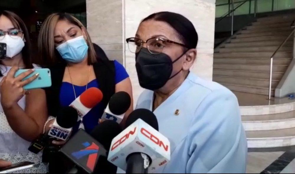 Margarita Melenciano vuelve a ser interrogada por la Procuraduría; afirma no está preparada por investigaciones