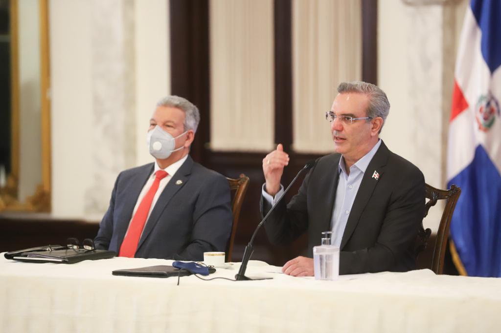 Abinader anuncia la construcción de 11 mil viviendas en su primer año de gestión