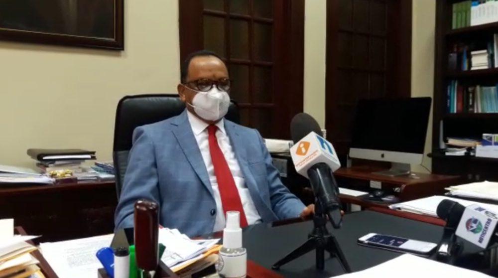 Objetan cuatro candidatos al Tribunal Constitucional