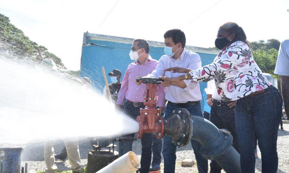 VIDEO | Director INAPA examina mejoría del servicio en municipio de Haina con autoridades locales