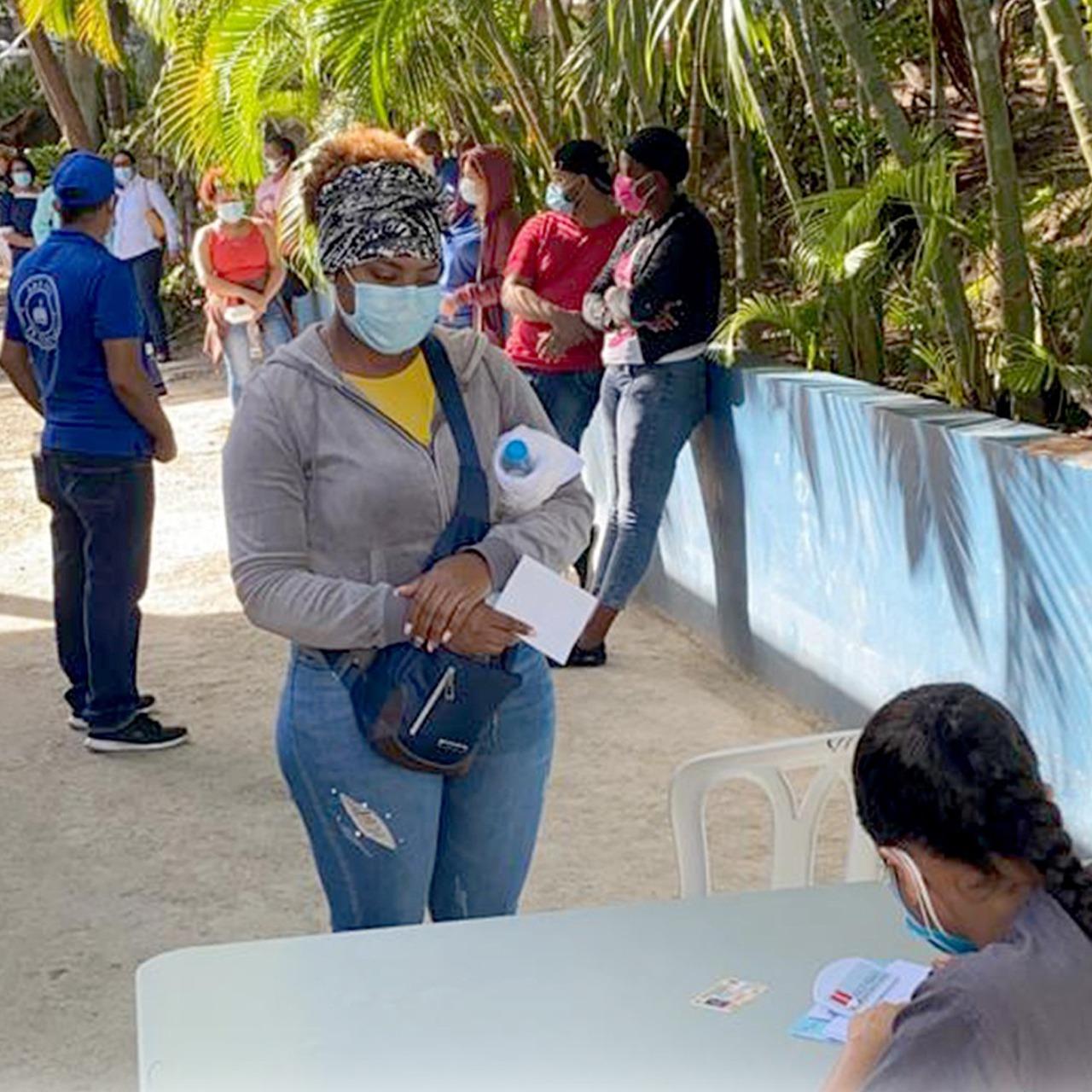 MSP realiza jornada de prevención anti COVID-19 en planta procesadora de Agua Planeta Azul