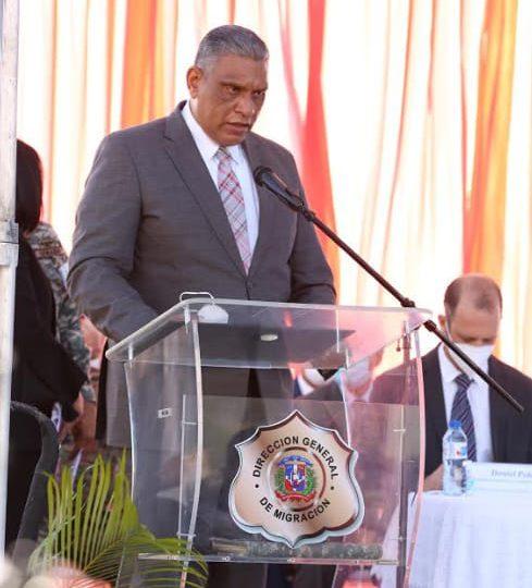 """Ministro Interior y Policía: """"Las personas que están dentro de sus casas no pueden ser apresadas sin una orden judicial"""""""