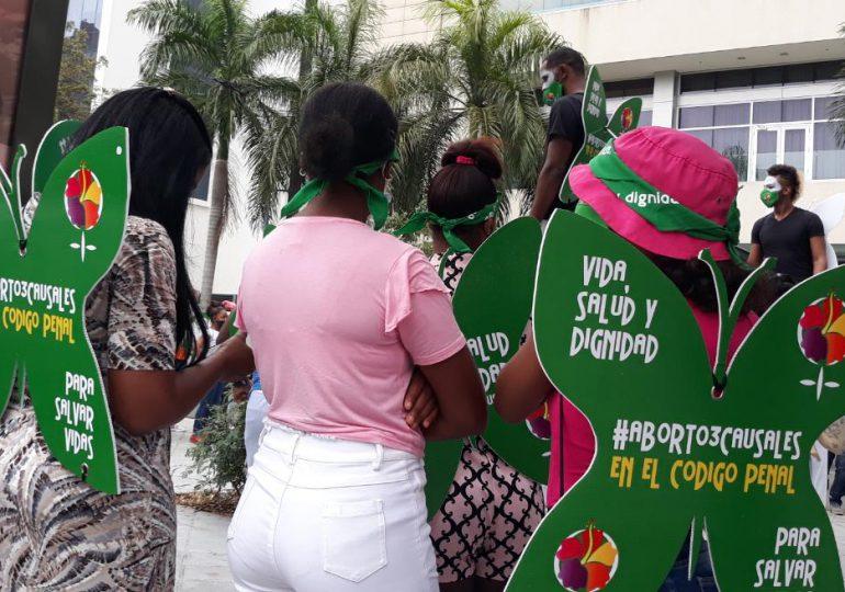 Video | Niñas y adolescentes encabezan protesta feminista a favor del aborto en tres causales