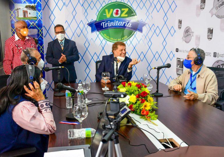 Alcalde Manuel Jiménez inaugura Voz Trinitaria en SDE