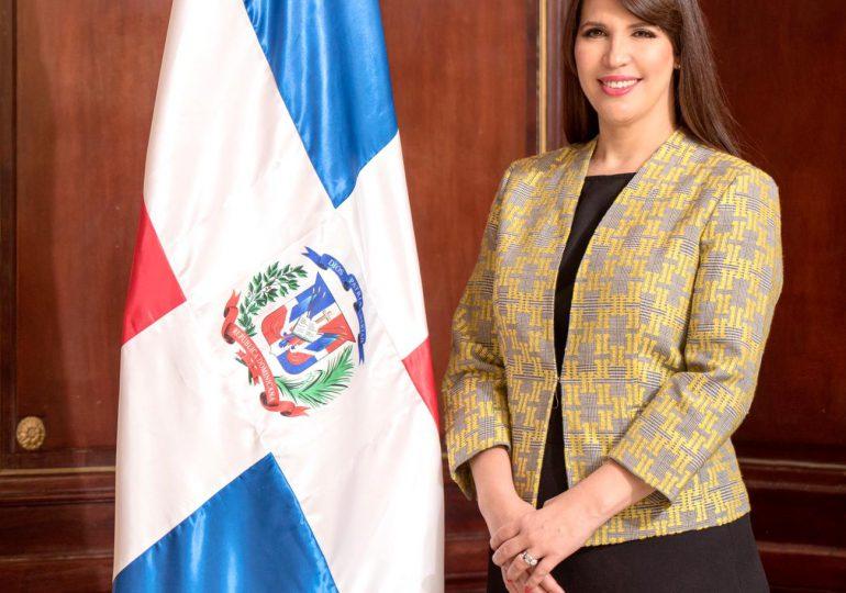 Abinader designa como nueva Embajadora en Jamaica a la internacionalista Angie Martínez