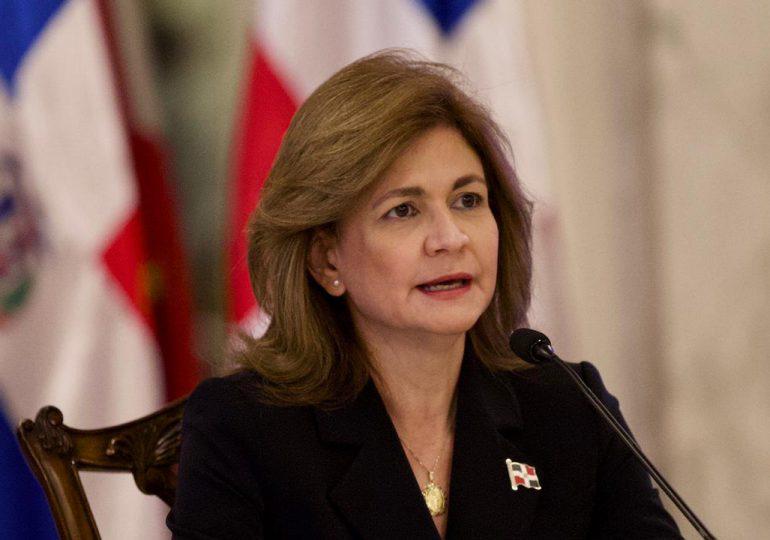 Vicepresidenta exhorta a la población  asegurar que adultos mayores sean vacunados.