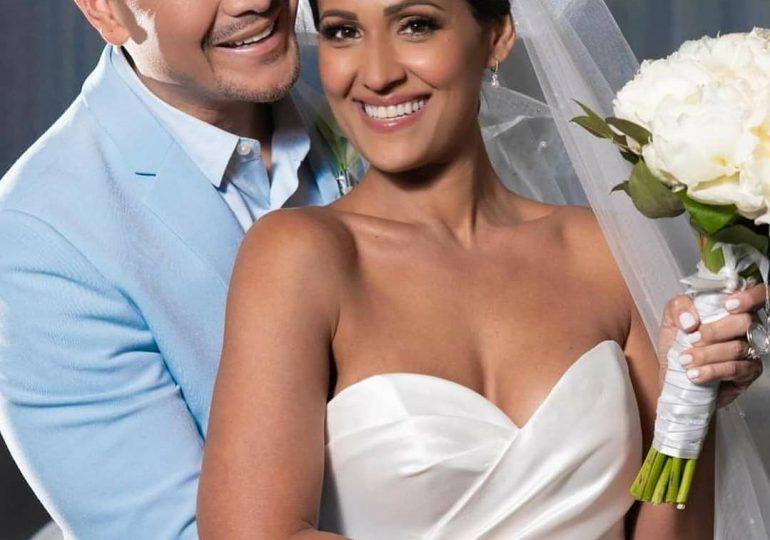 Víctor Manuelle se casa luego de 13 años de convivencia con su pareja
