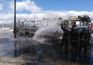 OMSA informa sobre incendio de autobús en Santiago