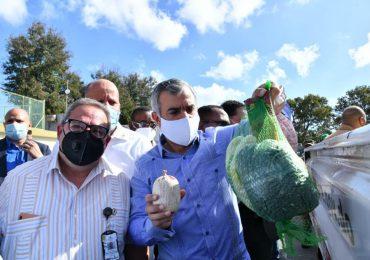 Gobierno inicia venta de pollos a 125 pesos la unidad
