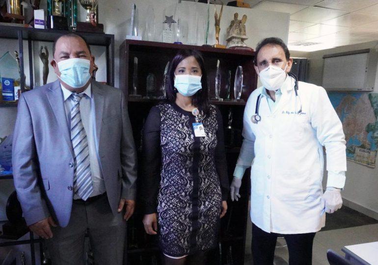 Directora del Centro de Gastroenterologia visita a Cruz Jiminián