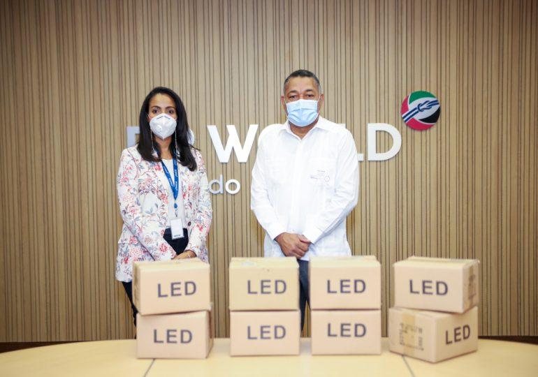 DP World Caucedo dona 500 mil pesos en lámparas led al municipio de Boca Chica