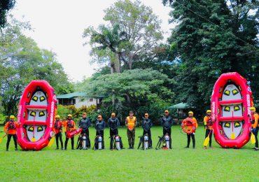 Defensa Civil se fortalece en manejo de botes de rescate en aguas rápidas
