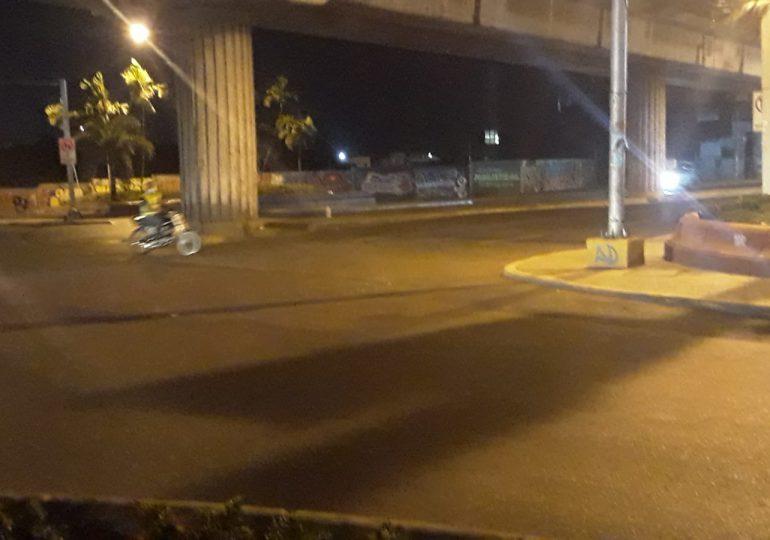 VIDEO | Avenidas de Santo Domingo lucen despejadas luego de finalizar horario para el libre tránsito