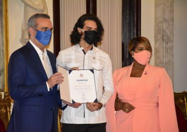 Celebran XXV entrega del Premio Nacional de la Juventud