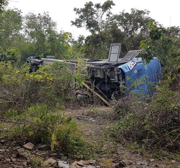 Accidente de autobús que trasladaba maestros cubanos registra 10 muertos