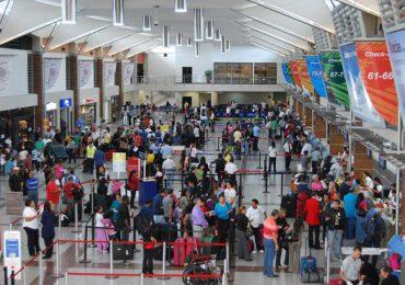 Viajeros deberán presentar prueba PCR negativa para entrar a EEUU a partir de este martes