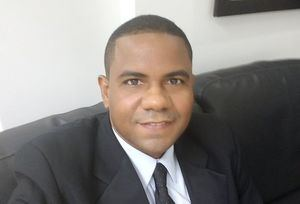 Arrestan encargado de Aduanas investigado por delitos sexuales