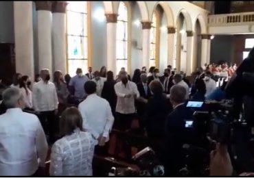 VIDEO | Luis Abinader asiste a la eucaristía por el Día de la Altagracia en la capilla del Palacio Nacional