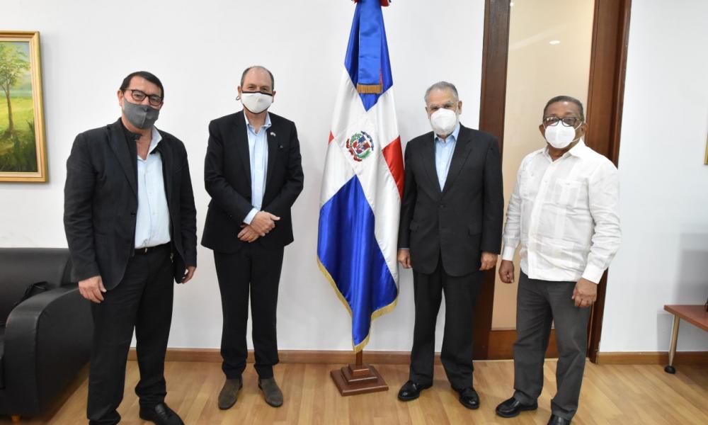 Embajador de Israel ofrece contribución técnica para el sector agrícola de RD