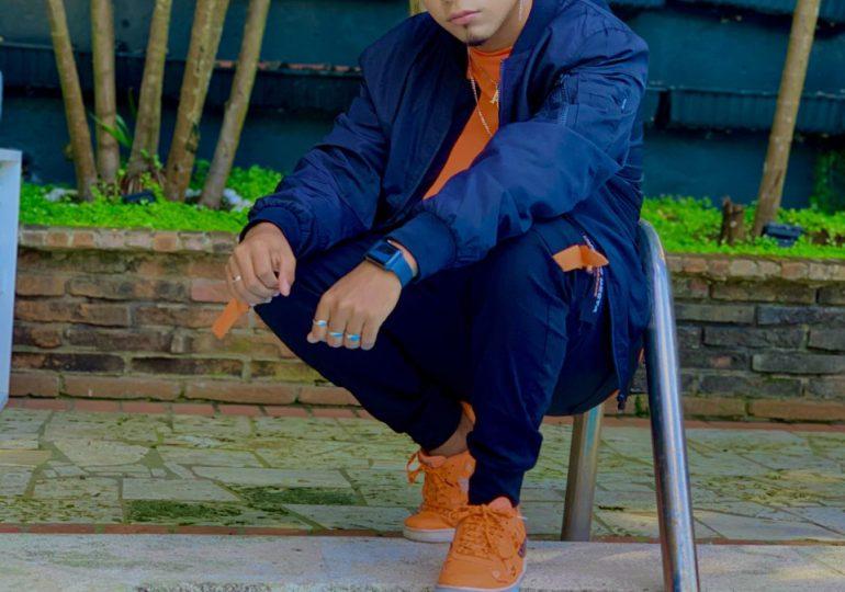Jaragua es el sencillo debut del tiktoker y bailarín Alex García