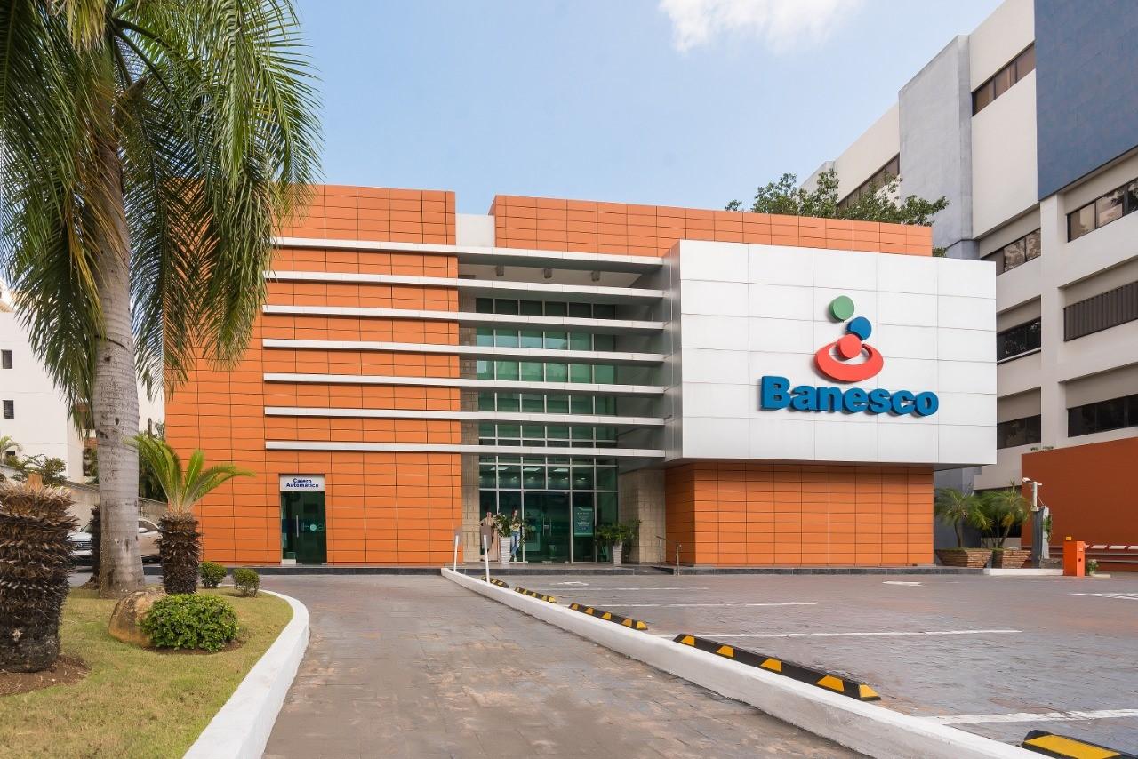 Banesco firma acuerdo con FMO por 12 millones de dólares para impulsar el sector de las PYMES en RD
