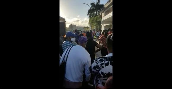 VIDEO| Denuncian violación al protocolo de distanciamiento en el Vinicio Calventi